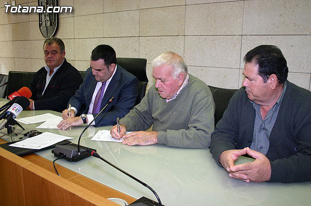 El Ayuntamiento y COAG-IR firman un convenio de colaboración, Foto 1