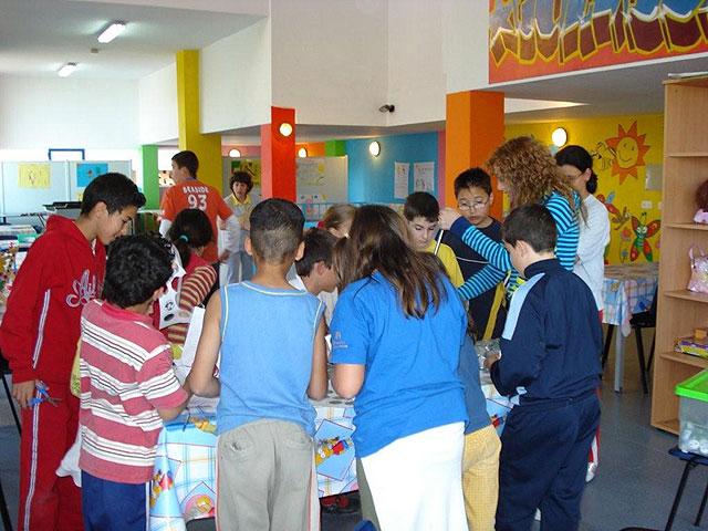 """Más de medio centenar de niños y jóvenes participan diariamente en las actividades organizadas en la """"Eduteca puzzle"""", Foto 2"""