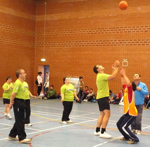 """7 alumnos del Centro Ocupacional """"José Moya"""" participan en el Campeonato Regional de Baloncesto, Foto 3"""