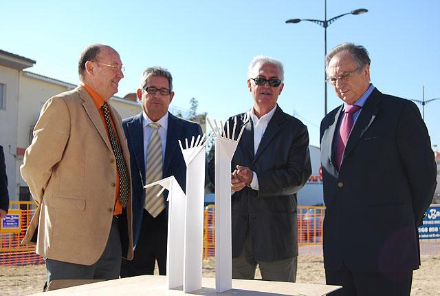 ElPozo Alimentación donará la escultura que completa las rotondas de la Avenida Antonio Fuertes de Alhama de Murcia, Foto 1