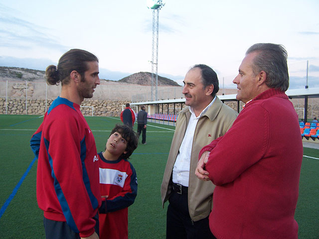 El jugador del Real Murcia, Iván Alonso, realizó una visita a la Ciudad Deportiva, Foto 2