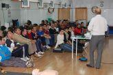 La Concejalía de Deportes local impartió ayer jueves 20 de noviembre una charla sobre RCP básica y hemorragias para sus cerca de 50 instructores