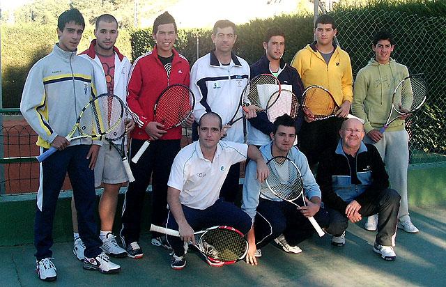 El Club de Tenis Totana, campeón regional de tenis por equipos absoluto de 2ª división, Foto 1