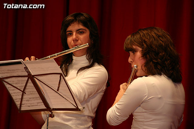 "Students of the Music Academy delighted the large crowd that gathered at the Socio-Cultural Center ""Jail"" with the Concerto Soloists Chamber Groups and, Foto 1"