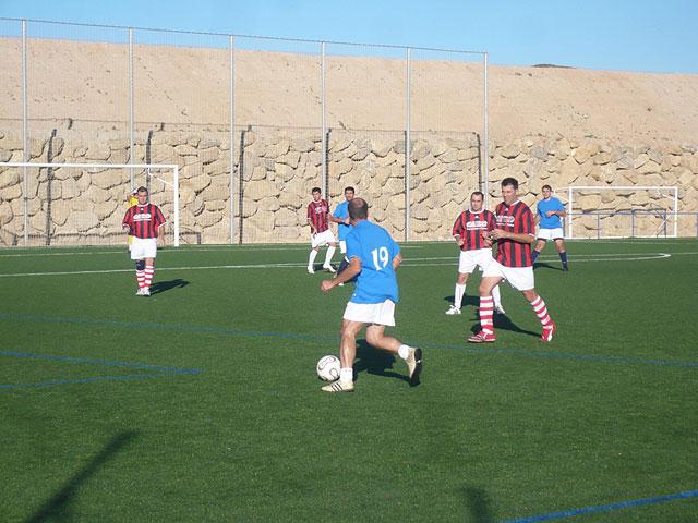 Jornada sin sorpresas en la liga de futbol aficionado Juega limpio, Foto 3