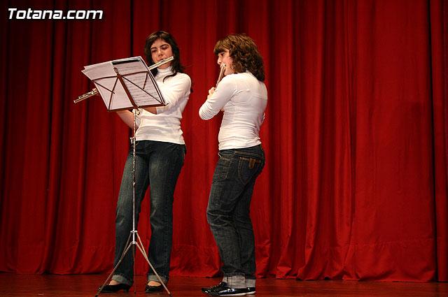 """Los alumnos de la Academia de Música deleitaron al numeroso público que se congregó en el Centro Sociocultural """"La Cárcel"""" con el Concierto de Grupos de Cámara y Solistas - 3"""