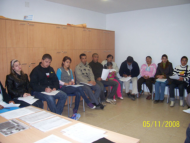 Las Jornadas de Información y Orientación para la Inserción Sociolaboral de las personas inmigrantes del municipio, cuentan con la participación de más de una veintena de personas, Foto 2