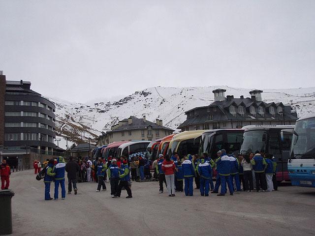 La Concejalía de Deportes organiza un fin de semana de senderismo de alta montaña con raquetas de nieve en Sierra Nevada, Foto 1