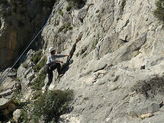 La Concejalía de Deportes organiza un fin de semana de senderismo de alta montaña con raquetas de nieve en Sierra Nevada, Foto 2