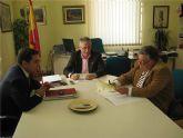El Ayuntamiento entrega a la Hospitalidad de Santa Teresa un cheque por 100.600 euros