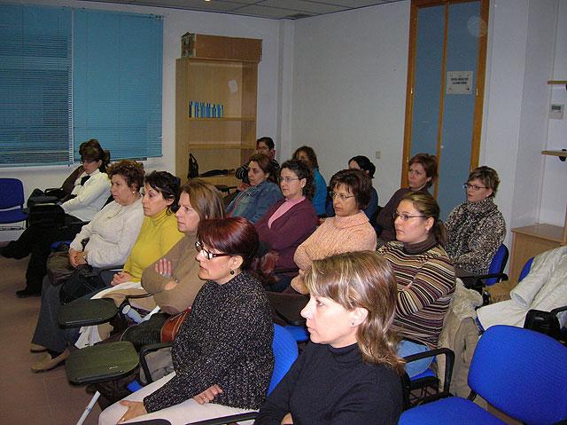 El Ayuntamiento pone en marcha un curso de Formación Gerontológica, Foto 2