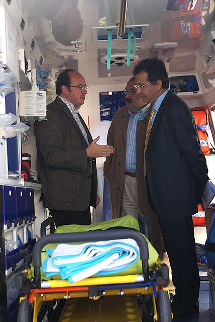El alcalde de Puerto Lumbreras y el gerente del área III de salud de Lorca presentan la Unidad Medicalizada de Emergencias (UME) - 1, Foto 1