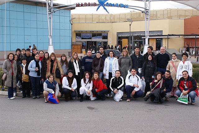 Jóvenes lumbrerenses viajan a Madrid y asisten al musical de Grease - 1, Foto 1