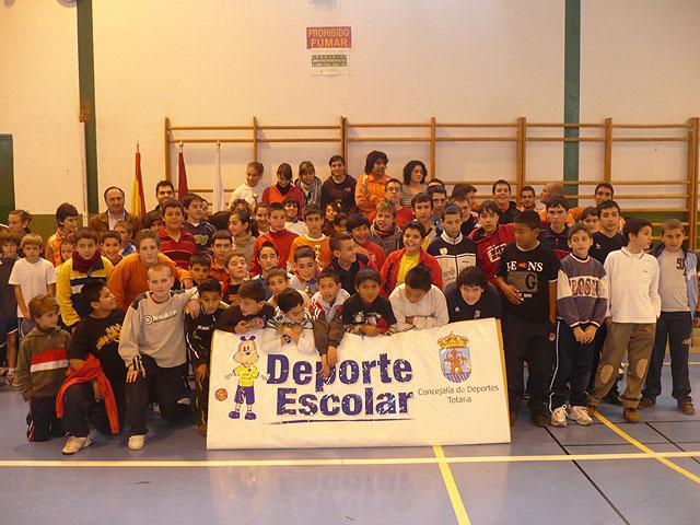 """Un total de 84 escolares participan en el torneo escolar de b�dminton, enmarcado en el programa """"Haz deporte, haz salud"""", Foto 3"""