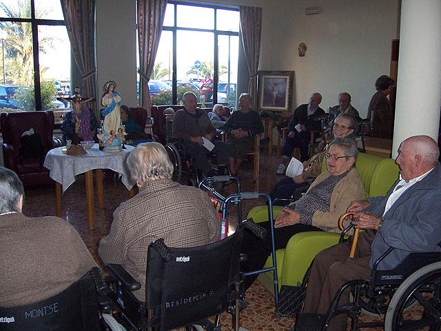 Arranca el programa de fiestas de la Pur�sima y la programaci�n de navidad de la Residencia y del Servicio de Estancias Diurnas de Alzheimer, Foto 1