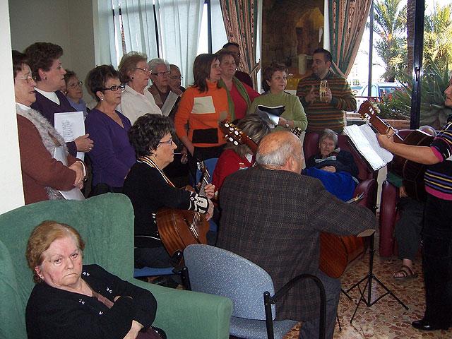Arranca el programa de fiestas de la Pur�sima y la programaci�n de navidad de la Residencia y del Servicio de Estancias Diurnas de Alzheimer, Foto 3