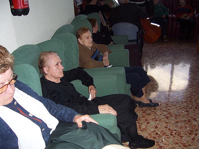 Arranca el programa de fiestas de la Pur�sima y la programaci�n de navidad de la Residencia y del Servicio de Estancias Diurnas de Alzheimer, Foto 4