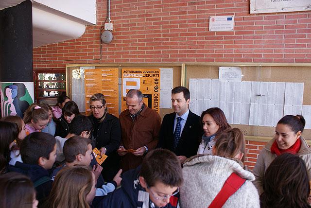 El concejal de Juventud presenta la nueva programación con más de una quincena de actividades destinada a jóvenes lumbrerenses - 1, Foto 1