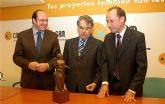 """Se presenta el boceto en bronce de la escultura """"Homenaje a la independencia"""" realizada por el escultor Juan José Quirós"""