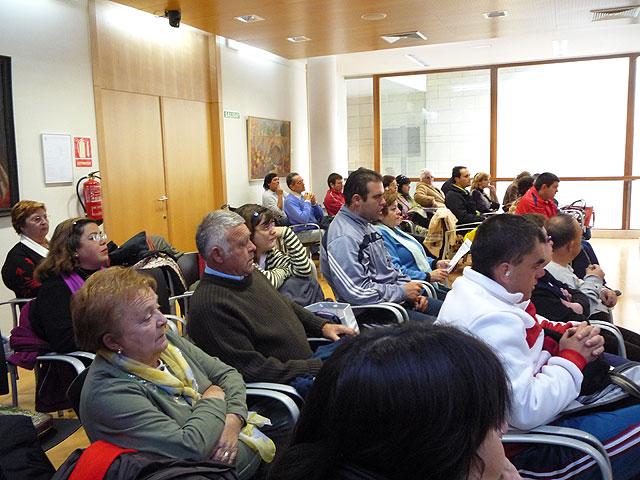 """Los usuarios y profesionales del Centro Ocupacional """"Jos� Moy�"""" conmemoran el D�a Mundial de las personas con discapacidad, Foto 3"""