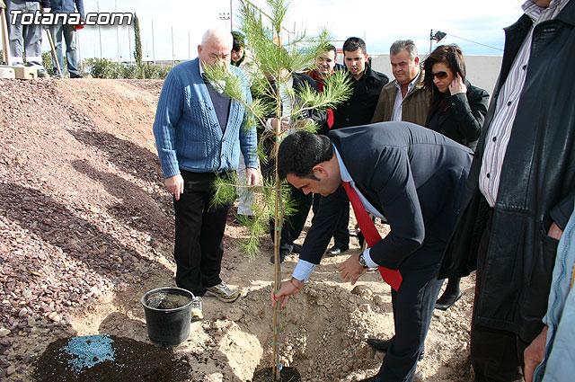 """Plantan 30 árboles autóctonos en la Ciudad Deportiva """"Sierra Espuña"""" para celebrar el 30 aniversario de la Constitución Española, Foto 1"""