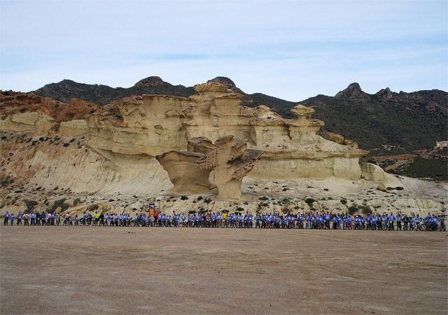 La 'I Ruta mountain bike contra la violencia de género' recorre los parajes naturales de Mazarrón - 1, Foto 1
