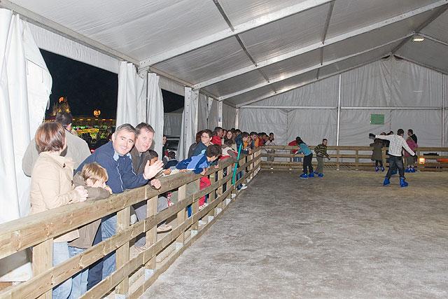 La pista de hielo estará abierta hasta el 30 de diciembre - 2, Foto 2