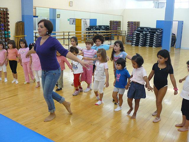 Un total de 90 alumnas participa en la Escuela Deportiva Municipal de Danza durante esta temporada, Foto 1