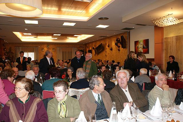 La Asociación de Ocio y Tiempo Libre de la Tercera Edad de Puerto Lumbreras celebra su encuentro navideño anual - 1, Foto 1