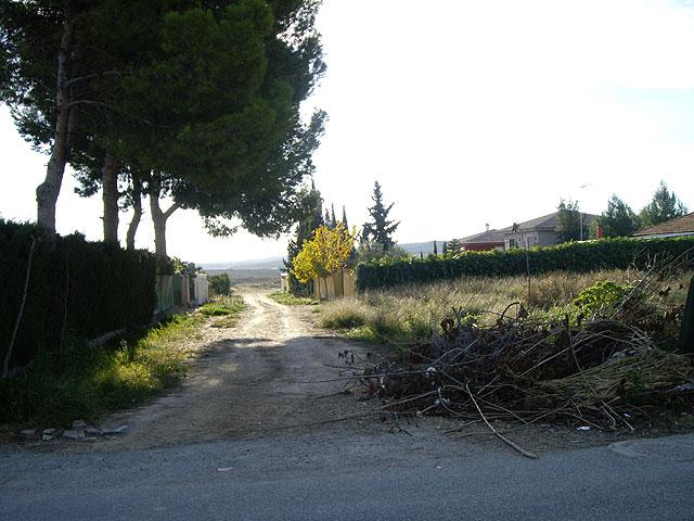 El PSOE critica la presencia de vertidos incontrolados de escombros, basura y enseres en Los Valientes. - 2, Foto 2