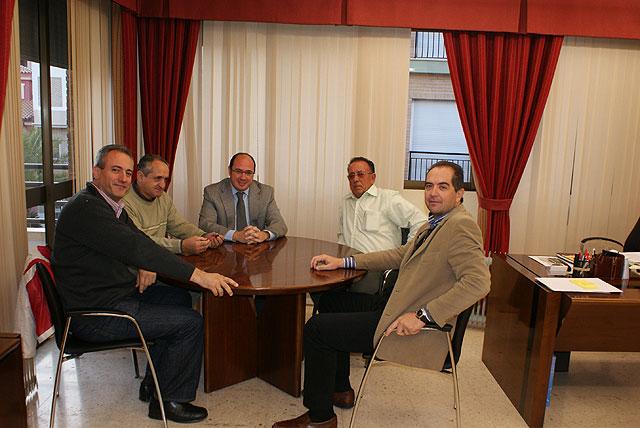 El Alcalde recibe al nuevo Presidente de la Comunidad de Regantes de Puerto Lumbreras - 1, Foto 1