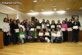 "El ""Taller de lengua de signos""  se clausura con la entrega de diplomas a m�s de treinta participantes"