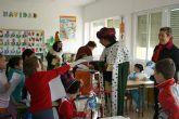 El cartero Real llega a Puerto Lumbreras para hacer entrega de las cartas de los Reyes Magos a los escolares