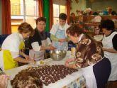 El Servicio de Estancias Diurnas del Centro Municipal de Personas Mayores desarrolla un taller de elaboración de dulces tradicionales y artesanales navideños