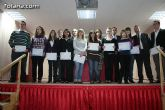 Autoridades educativas entregan los diplomas a los 13 alumnos de la segunda promoción del Bachillerato Internacional del  IES 'Juan de la Cierva'