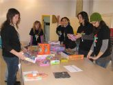 Los voluntarios de Implica2 colaboran con la campaña de recogida de juguetes