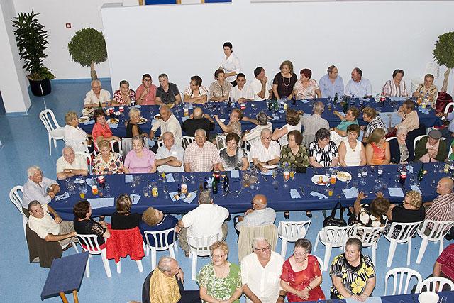 Los mayores celebran la Navidad en su Centro - 1, Foto 1