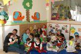 Los niños y niñas de la guardería municipal de Puerto Lumbreras celebran su particular fiesta de Navidad