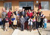 El consejero de Obras Públicas firma el convenio de rehabilitación del barrio de San Gil y entrega las llaves de las viviendas de la primera fase