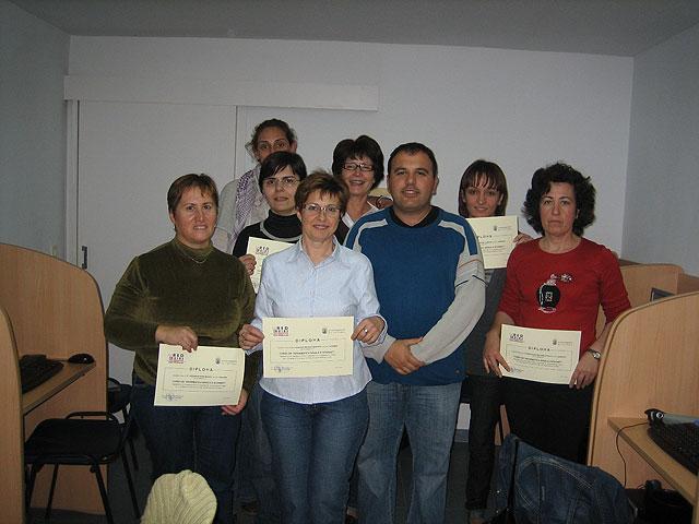 M�s de medio millar de personas formadas en nuevas tecnolog�as en un total de 75 cursos, Foto 2