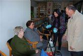 El alcalde junto con la edil de Pol�tica Social visitan a los mayores de la Residencia y del Centro de Estancias Diurnas
