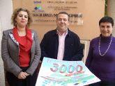 El sorteo de un cheque por valor de 3.000 euros premiará a los santomeranos que depositen su confianza en el comercio local durante las rebajas
