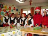 """Los niños y niñas del colegio """"La Milagrosa""""  visitan a los usuarios del Servicio de Estancias Diurnas"""