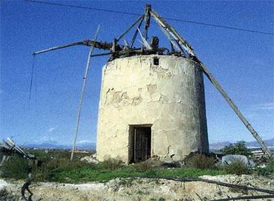 El Ayuntamiento solicita a la Consejería de Cultura y Turismo la autorización para proceder a la rehabilitación del Molino de los Guardianes, en El Paretón, Foto 1