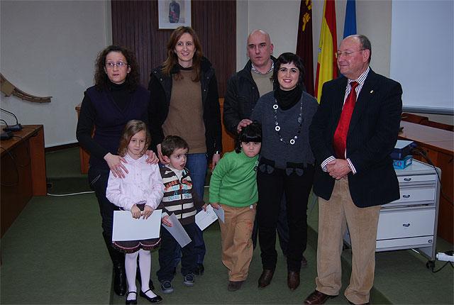 Han sido entregados los premios del Concurso de Postales Navideñas 2008, Foto 1