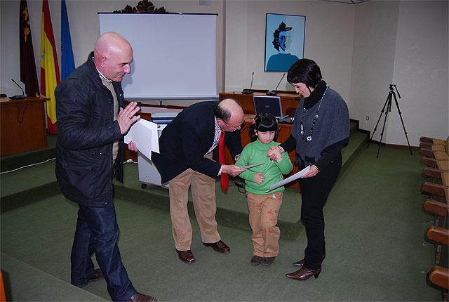 Han sido entregados los premios del Concurso de Postales Navideñas 2008, Foto 2