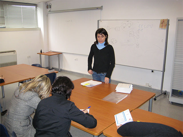 """More than thirty people attended the screening test for the course """"Attention and care for dependents"""""""