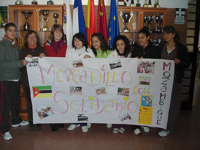 Este viernes el 'Domingo Valdivieso' acoge un mercadillo solidario, Foto 1