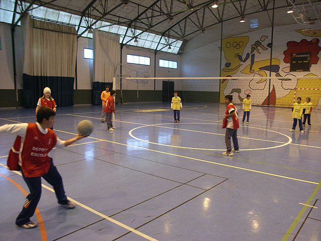 Students of all primary schools in Totana participated in a day minivoley