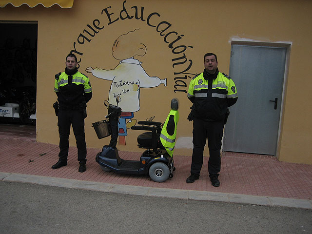 Education Park Road Totana acquires a vehicle adapted for disabled